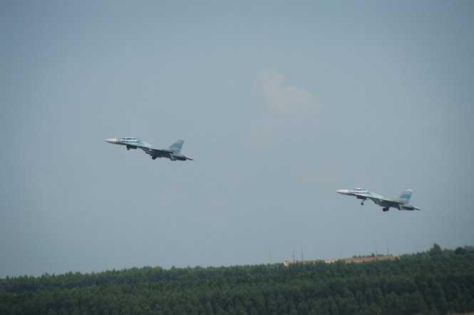 Các bài tập bay với Su30Mk2 diễn ra hằng tuần và nhiều giờ liền trong buổi sáng hoặc đêm - Ảnh: Thuận Thắng