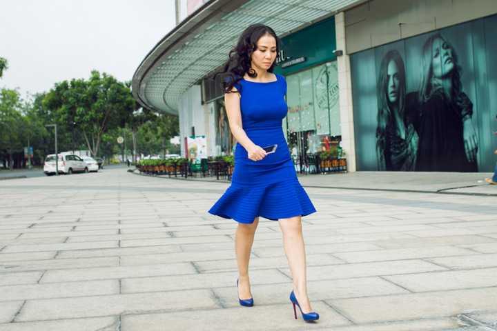 Thu Minh chia sẻ, bằng cách chăm chỉ tập luyện và chế độ ăn nghiêm khắc, cô nhanh chóng lấy lại được thân hình cân đối như trước khi sinh con.