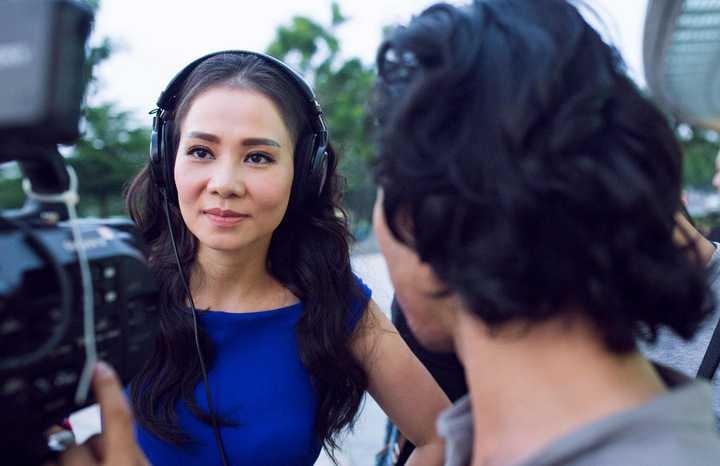 Sau khi kết hôn và sinh em bé, Thu Minh ngày càng thăng hoa trong sự nghiệp. Cô luôn là tâm điểm trong những sự kiện có mình xuất hiện. Có ông xã là chỗ dựa vững chắc, Thu Minh cũng thoải mái hơn trong nghệ thuật, tiếng hát cất lên cũng nhẹ nhàng, say đắm hơn.