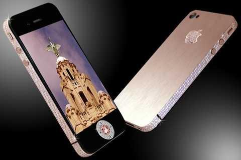 Diamond Rose iPhone 4 32GB - 8 triệu USD. Ngoài các thành phần kim cương, vàng, đá quý thì chiếc iPhone này ra mắt vào thời điểm màu Hồng còn chưa phổ biến và nó trở thành hàng hot đối với các quý bà và tất nhiên, giá không hề dễ chịu chút nào