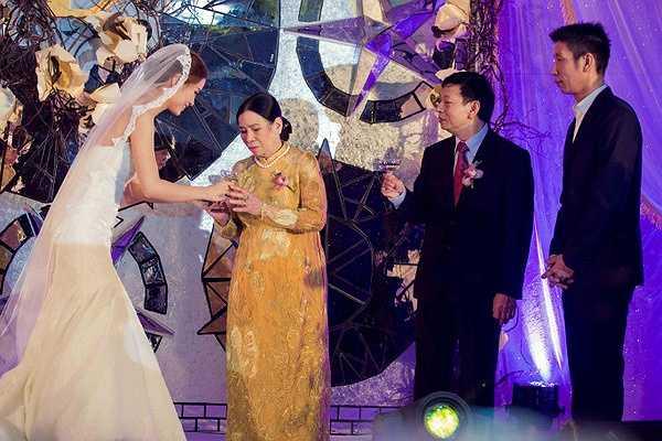 Hôn lễ của Á hậu Diễm Trang và ông xã doanh nhân đã được diễn ra tại một khách sạn 5 sao ở TP.HCM.