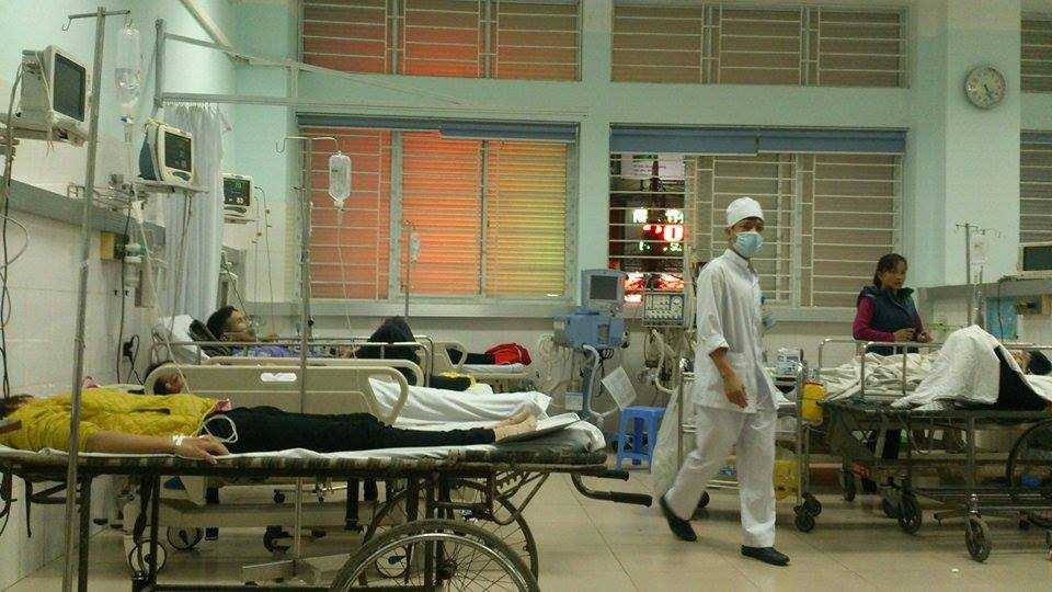 Số lượng bệnh nhân quá lớn nên các bệnh viện đã phải chia nhau tiếp nhận các ca cấp cứu (Ảnh:M.Khang)