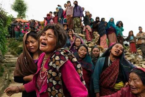 Người dân vùng núi ở Nepal đau khổ với những mất mát về con người và tài sản sau vụ động đất kinh hoàng