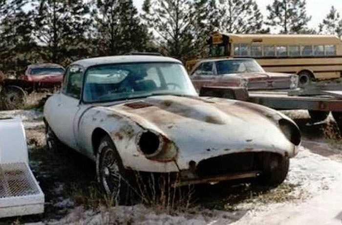 Được mệnh danh là một trong những mẫu xe đẹp nhất mọi thời đại nhưng Jaguar E-Type cũng chịu số phận bị 'bỏ xó'.