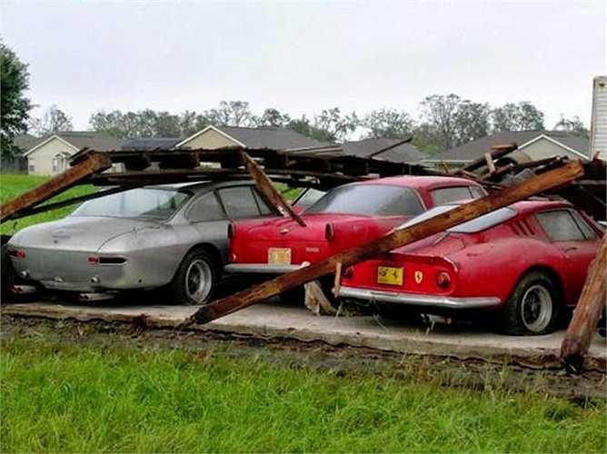 Loạt Ferrari cổ trở thành 'phế liệu'. Nếu như được phục chế hoàn hảo, những chiếc xe này có thể dễ dàng được trả giá tới hàng triệu USD tại các buổi đấu giá.