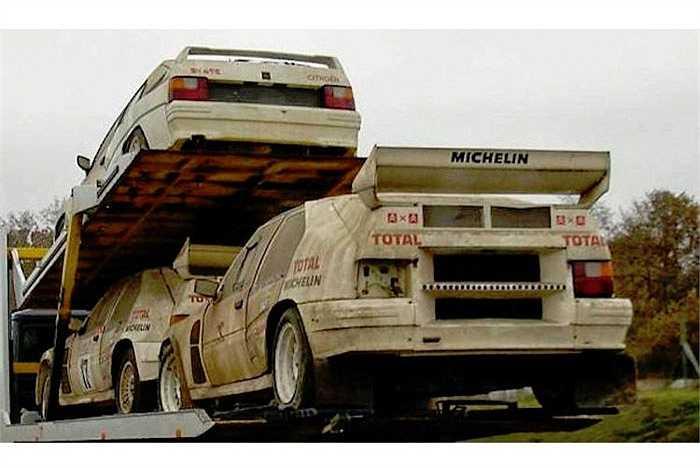 Loạt xe đua Group B của Citroen 'phơi mình' ngoài trời. Được coi là 'kỷ nguyên vàng' của lịch sử bộ môn đua rally, những chiếc xe tham gia thể thức Group B luôn được người yêu xe khao khát.