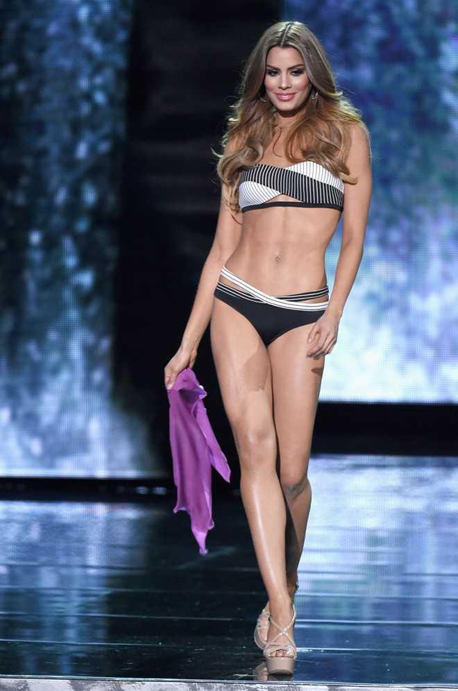Ariadna Gutierrez trong phần trình diễn trang phục bikini tại cuộc thi Hoa hậu Hoàn vũ 2015.