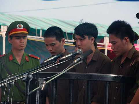 3 bị cáo trong vụ thảm sát 6 người ở Bình Phước, đỉnh điểm của tội ác năm 2015
