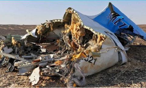 Ngày 31/10, phi cơ chở khách Airbus A321 của Metrojet, khởi hành từ thành phố Sharm el-Sheikh, Ai Cập, đến St Petersburg, Nga, rơi xuống bán đảo Sinai, Ai Cập khiến Toàn bộ 224 người trên khoang, chủ yếu là người Nga, thiệt mạng
