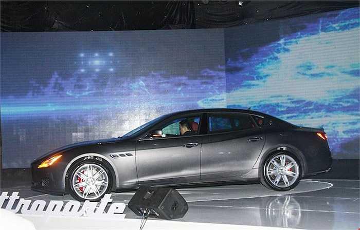 Tháng 12 vừa qua cũng đánh dấu sự xuất hiện chính thức của thương hiệu Ý Maserati tại Việt Nam với 2 dòng xe sang là Quatttroforte và GranTurismo MC Stradale.