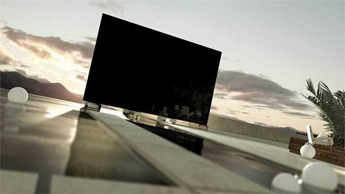 2. The Titan Zeus: 1,6 triệu USD. Đây hiện là chiếc TV lớn nhất trên thế giới với màn hình 4K 370 inch, độ nét gấp 4 lần TV HD thông thường. Chiếc TV khổng lồ này có thể sử dụng được cả trong nhà lẫn ngoài trời bởi độ phân giải cao, ánh sáng đa sắc và âm thanh sống động.