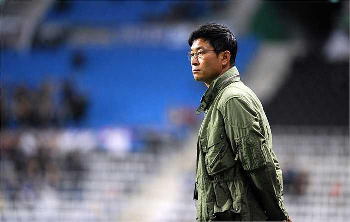 Kim Do Hoon là một trong những tiền đạo xuất sắc của bóng đá Hàn Quốc. Ông từng 73 lần khoác áo đội tuyển quốc gia, ghi 30 bàn thắng.