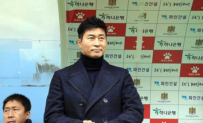 Tháng 1/2015, ông trở thành HLV trưởng của CLB Incheon United.