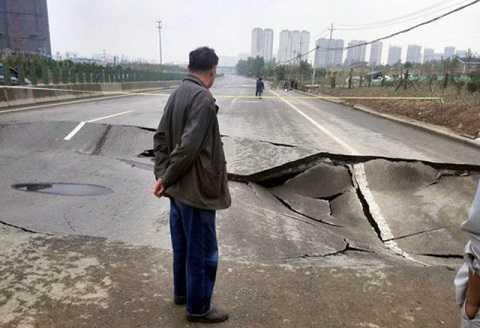 Con đường cao tốc mấp mô, gập ghềnh ở Hà Nam