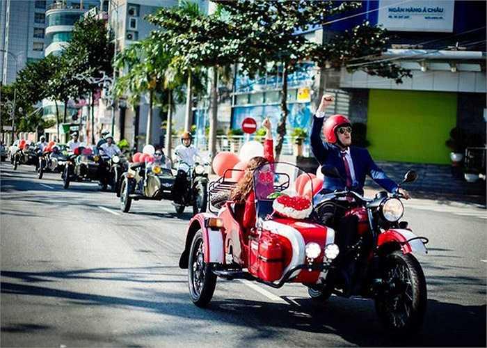 Dàn xe Ural rước dâu đã tạo nên hình ảnh độc đáo và thú vị trong một ngày đầy nắng tại thành phố biển Đà Nẵng xinh đẹp.