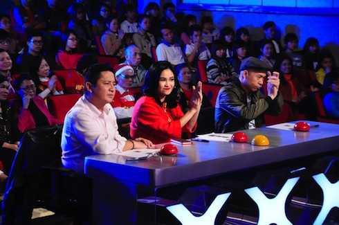 Bộ ba giám khảo Chí Trung - Thanh Lam - Huy Tuấn.