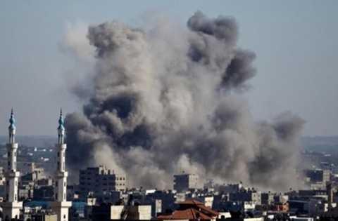 Khói bốc lên sau một cuộc không kích của Israel ở Dải Gaza, hồi tháng 7/2015. (Nguồn: AFP)