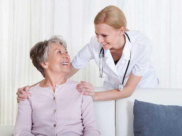 Chủ quan với sức khỏe của bạn: Bạn nên chú ý đến sức khỏe của bạn. Không bao giờ bỏ qua bất kỳ dấu hiệu cơ thể nói cho bạn biết. Bằng cách bỏ qua các triệu chứng này là bạn đang gây hại cho cơ thể của bạn.