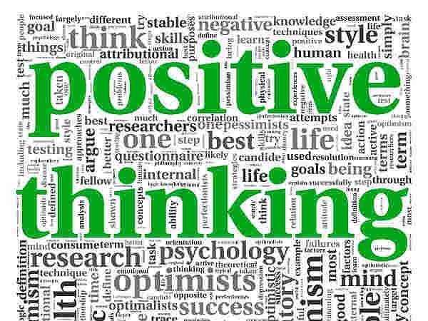 Đắm mình trong phiền muộn: Nếu cuộc sống của bạn bao quanh với tiêu cực thì đây chính là thời gian bạn nên bắt đầu năm mới năm 2016 với một bầu không khí tích cực. Vì suy nghĩ tiêu cực sẽ không làm cho bạn khỏe mạnh được.