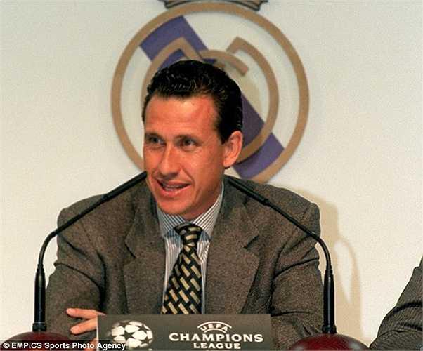 Tháng 7/1994, Jorge Valdano được bổ nhiệm. Dù chỉ có tỷ lệ chiến thắng là 50% nhưng ông đã giúp 'Kền kền trắng' có 1 danh hiệu La Liga. Tháng 1/1996, Valdano ra đi và Del Bosque lại được dùng để chữa cháy trong... 3 ngày