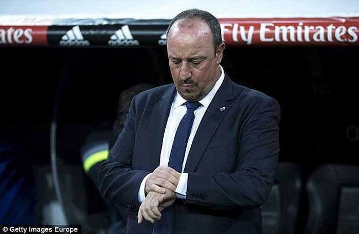 Rafa Benitez được bổ nhiệm vào tháng 6/2015 nhưng ông chỉ làm việc được đúng 7 tháng do mâu thuẫn khủng khiếp với một loạt trụ cột