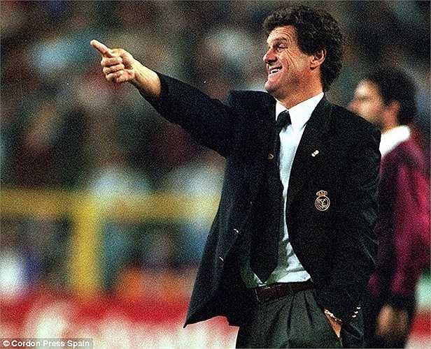 Tháng 7/1996, Fabio Capello được mời về 'Nhà trắng'. Dù đạt tỷ lệ chiến thắng khá ấn tượng là 64,6% nhưng tư duy phòng ngự của Don Fabio không phù hợp với triết lý tấn công của Real. Ông ra đi chỉ sau 1 mùa, dù giành được La Liga