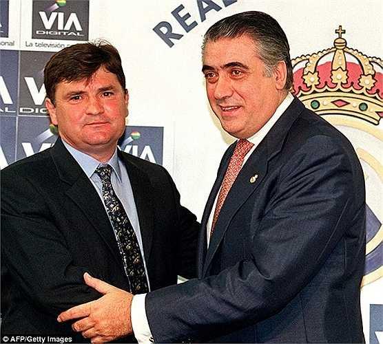 Jose Antonio Camacho có vinh dự ngồi ghế HLV tạm quyền trong gần 1 tháng vào năm 1998. Nhưng 22 ngày đàm phán giữa ông và Real Madrid đã không cho ra kết quả nào