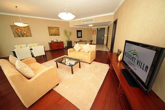Phòng có lắp đặt hệ thống Internet, wifi cá nhân tốc độ cao, miễn phí, ti vi 40 màn hình phẳng 40 inch.
