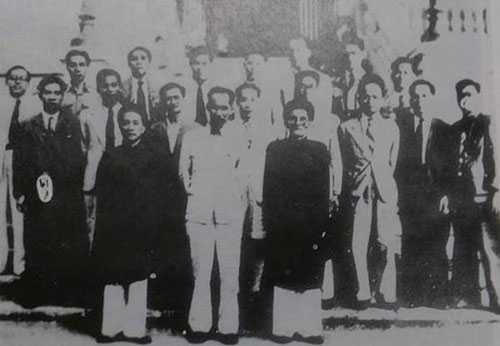 Các thành viên Chính phủ mới do Quốc hội lập ra tháng 11/1946. Ảnh tư liệu.