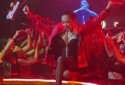 Tóc Tiên thành công với dòng nhạc EDM.