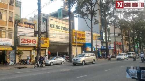 Khu An Dương Vương (quân 5, TP.HCM) nơi hội giới kinh doanh ôtô, cũng là nơi nạn nhân bị Dũng thẹo lừa đông đảo đã xôn xao khi thông tin Dũng thẹo bị dẫn độ về Việt Nam - Ảnh Khôi Nguyên