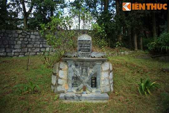 Đó chính là nơi an nghỉ của Vua Mèo Vương Chí Sình (1886 - 1962), nhân vật quyền lực nhất vùng đất Hà Giang những năm 1930 - 1940.