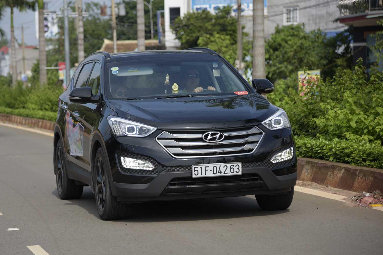 Chiếc Hyundai SantaFe được trải nghiệm là phiên bản máy xăng đặc biệt
