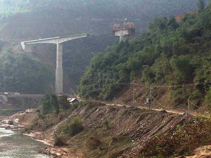 Cầu Suối Quanh nơi xảy ra tai nạn