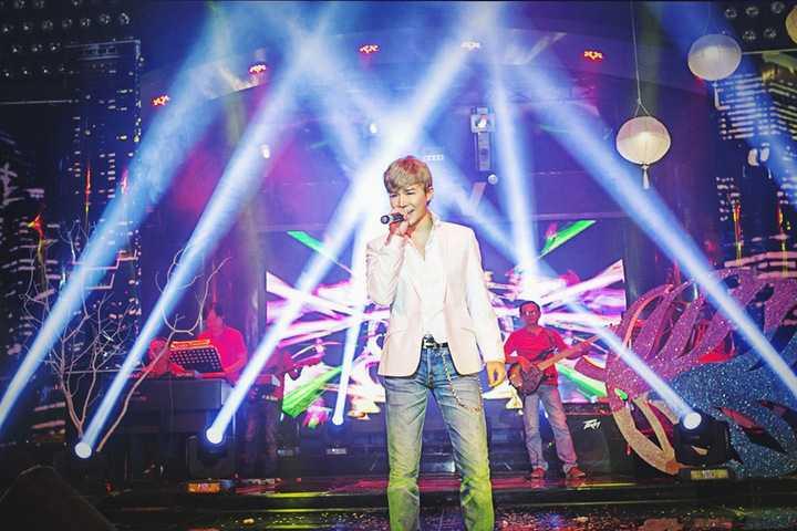 Bận rộn với lịch diễn dày đặc cùng khâu chuẩn bị cho nhiều dự án âm nhạc lớn sắp được ra mắt trong năm 2016, Nathan Lee vẫn tiếp tục có nhiều đêm nhạc riêng trên cả nước.