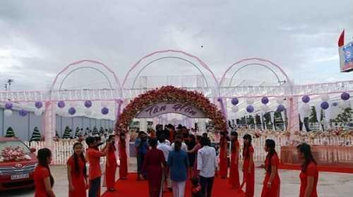 Khung cảnh đám cưới khủng