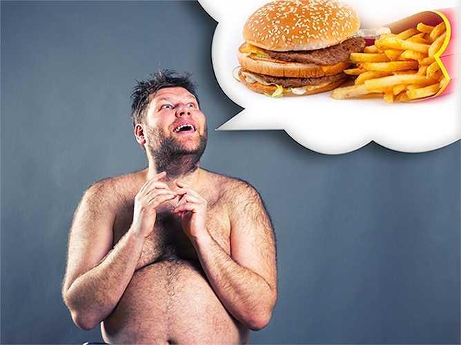 Xem những gì bạn ăn: Cũng giống như cách các phụ nữ xem những gì họ ăn, bạn cũng nên làm điều đó. Xem những gì bạn ăn sẽ giúp rất nhiều cho sức khỏe của bạn. Nó chắc chắn sẽ giảm nguy cơ bị béo phì.