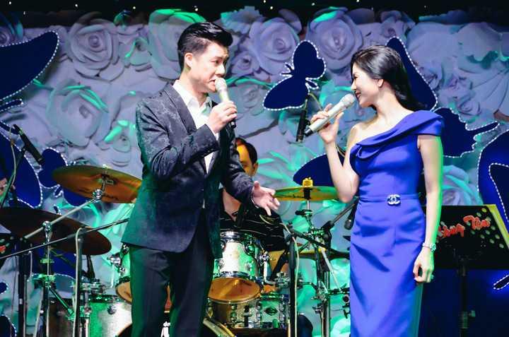 Đêm nhạc diễn ra suốt 3giờ đồng hồ với sự đồng hành của nhiều nghệ sĩ nổi tiếng: Đàm Vĩnh Hưng, Quang Dũng, Lệ Quyên, Dương Triệu Vũ, Hiền Thục, Hoàng Lê Vi, danh hài Bảo Quốc - Gia Bảo cùng MC Quốc Bình.