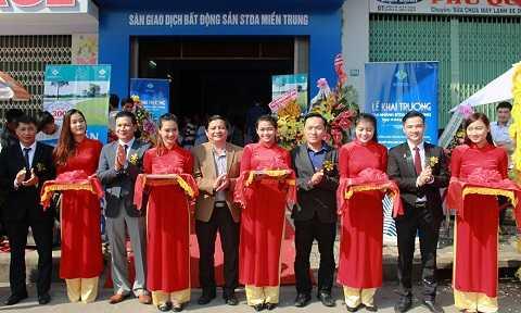 Lễ cắt băng chính thức khai trương Hệ thống Siêu thị dự án Bất động sản STDA miền Trung