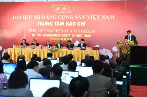 Ông Nguyễn Thế Kỷ phát biểu tại hội nghị