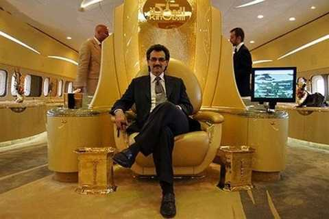 Ngai vàng của Hoàng thân Alwaleed trên chuyên cơ riêng