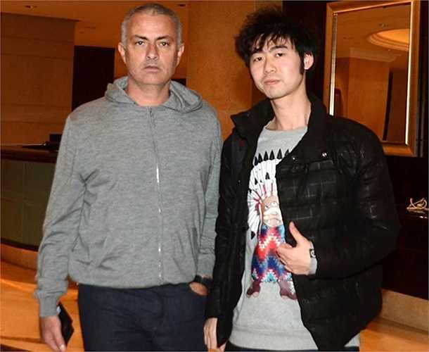 Được biết lần sang Trung Quốc bất ngờ này của Mourinho là để quảng bá cho công ty Gestifute do người đại diện Jorge Mendes của ông làm chủ