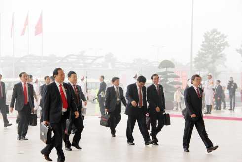 Tham dự Đại hội XII Đảng cộng sản Việt Nam có 1510 đại biểu, đại diện cho hơn 4,5 triệu đảng viên trên cả nước. Trong đó, đại biểu đương nhiên là 197 người, có 13 đại biểu chỉ định, đại biểu được bầu tại đại hội đảng bộ trực thuộc trung ương là 1.300 người (trên 86%).