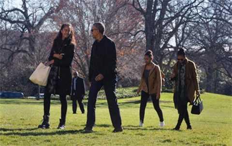Gia đình Tổng thống Obama tại Nhà Trắng, ngày 3/1/2016 (Ảnh AFP)