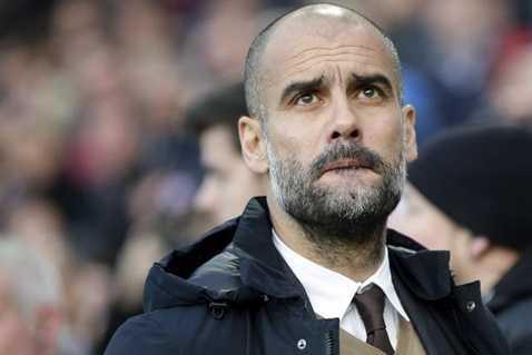 Pep Guardiola đang phân vân giữa MU và Man City