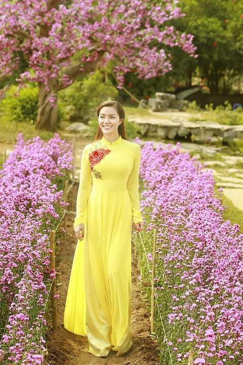 Nữ ca sĩ vừa dành thời gian để thực hiện một bộ hình xuân gửi tặng khán giả nhân dịp Tết Nguyên Đán sắp tới.