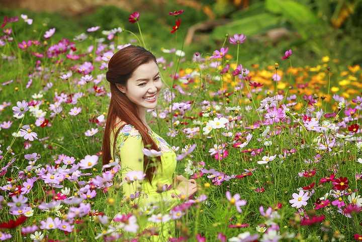 Nữ ca sĩ cũng đượm buồn khi chia sẻ Tết năm nay sẽ không có mặt ở Việt Nam vì đã nhận lời đi lưu diễn phục vụ kiều bào nước ngoài.