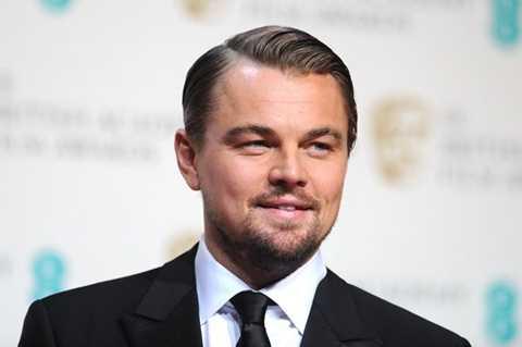 Ngoài ra, Leonardo di Caprio, Kevin Spacey và Bono cũng là các khách mời của diễn đàn năm nay. Nam diễn viên nổi tiếng của Hollywood Leonardo DiCaprio thường xuyên sử dụng máy bay riêng để di chuyển. Được mời tới sự kiện này, anh cũng sử dụng chuyên cơ riêng.