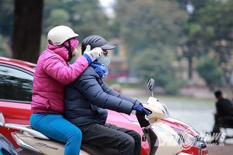Hoặc phải che chắn rất cẩn thận để tránh gió lạnh.