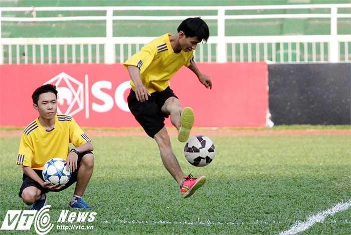 Muangthong cho thấy được sự chuyên nghiệp trong cách tổ chức một trận đấu, dù chỉ là giao hữu. Khán giả đến sân Thống Nhất được phục vụ bằng nhiều hoạt động, tiết mục biểu diễn